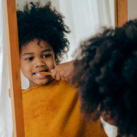 Alimentos que ayudan a fortalecer los dientes de los niños